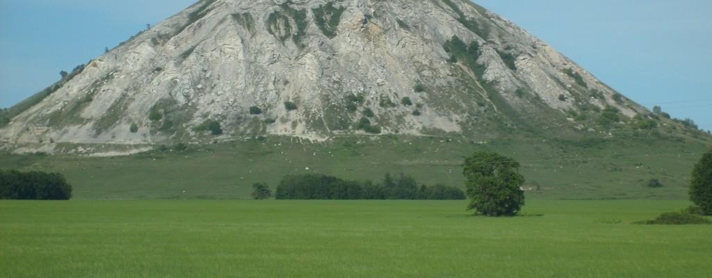 Преосвященнейший Владыка Николай совершил Божественную литургию на горе Торатау.