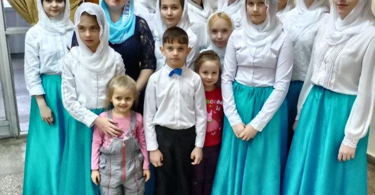 Воспитанники Воскресной школы Успенского собора приняли участие в фестивале-конкурсе «Рождественские овации»!